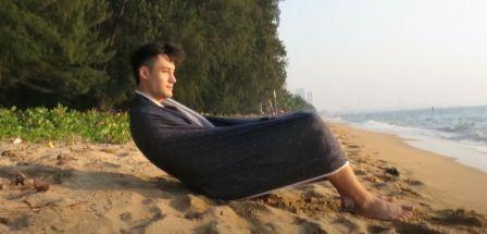 lungi as reclining chair